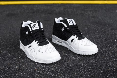 Nike Air Trainer 3 LE black-white web crop angle