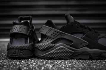 Nike Air Huarache Black-Black-11