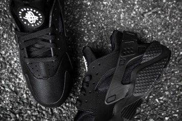 Nike Air Huarache Black-Black-12