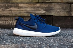 Nike Roshe Two Midnight Navy-Black side