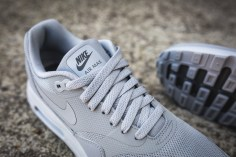 nike-air-max-1-ultra-2-0-essential-875679-001-10