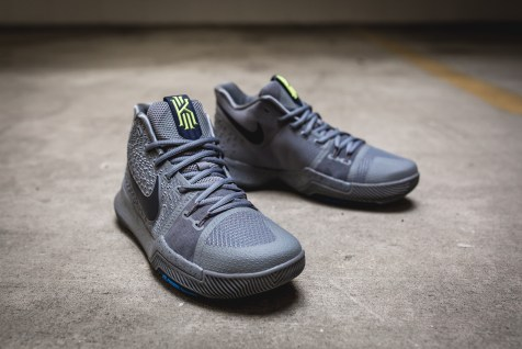 Nike Kyrie 3 852395 001-13