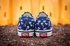 Peanuts x Vans Authentic Snoopy Skating Kids VN0A38E7OQW-5