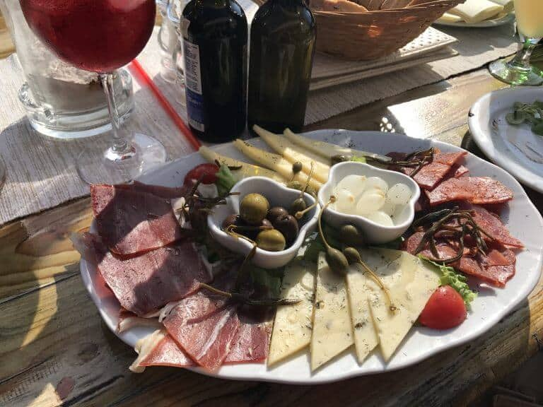 Appetizer platter with wine on the island of Maslinica