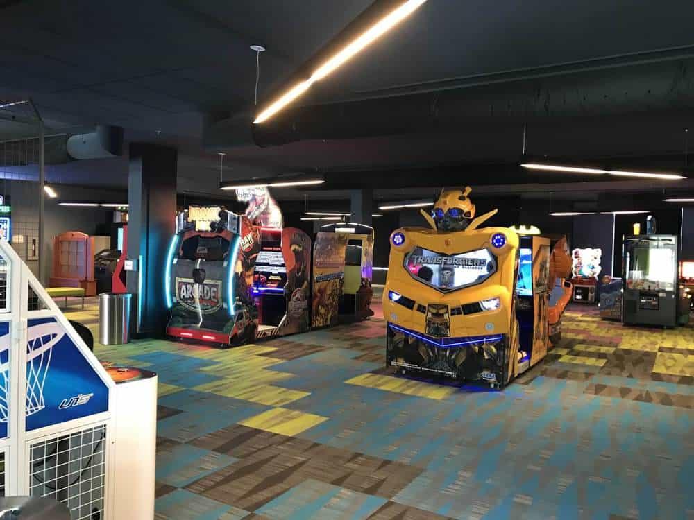 Valcartier Hotel arcade