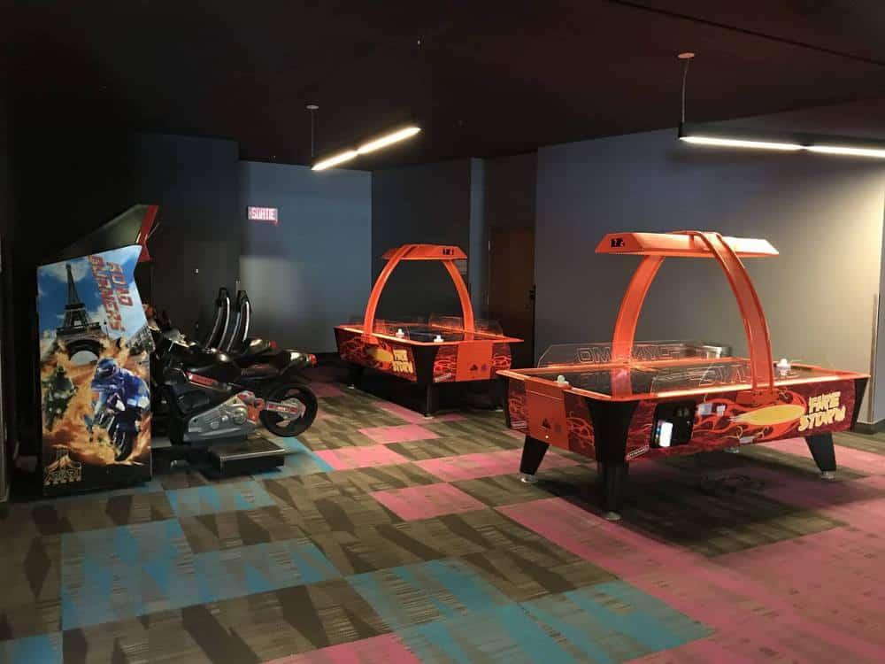 Valcartier Hotel digital games room