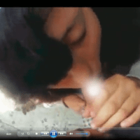 Morrita colegiala es atrapada Mamando después de clases. Video xxx