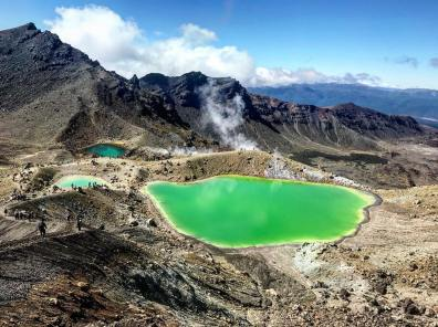 Tongariro crossing ( Photo by @vivigossip)