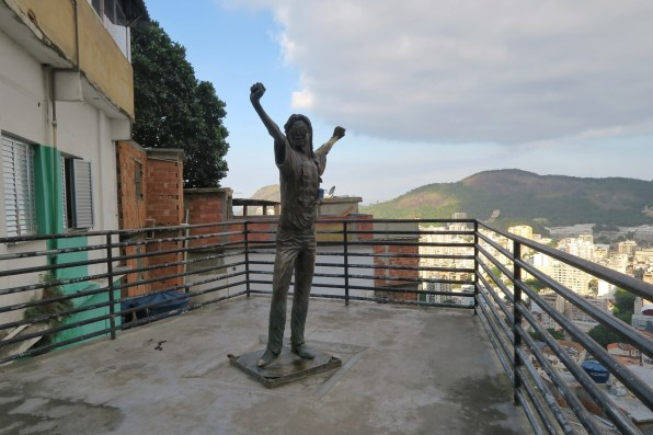 Statue of Michael Jackson