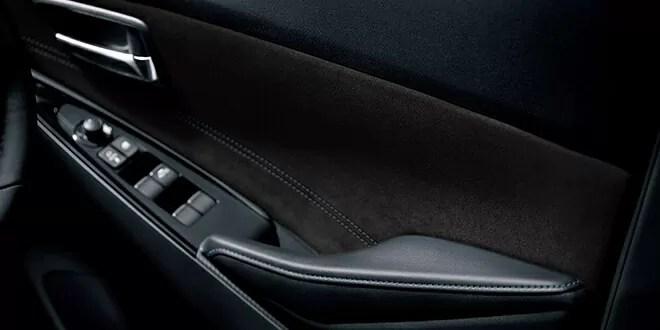 新型デミオ特別仕様車Mist Maroon内装