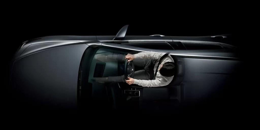 新型マツダ3ドライビングポジション画像