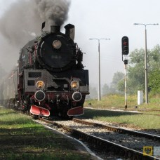 31 sierpnia | Zabytkowy parowóz przejechał przez Paczków | Zapach dymu i charakterystyczny stukot kół starego parowozu – przez Paczków przejechała zabytkowa lokomotywa. | http://paczkow24.pl/zabytkowy-parowoz-przejechal-przez-paczkow-wideo/