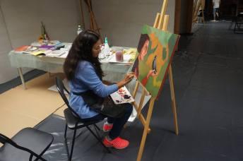 Międzynarodowy Plener Malarski 2017. Na zdjęciu Ana Maldonado. Foto: Galeria na Hoplach
