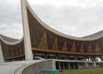 Masjid Raya Sumbar.