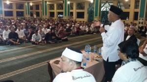 Walikota Padang Mahyeldi menjadi pemibicara pada Malam Bina Iman dan Taqwa (MABIT) Komunitas Pejuang Subuh DKI Jakarta di Masjid Raya Pondok Indah Jaksel, Sabtu (13/2)  malam. (der)