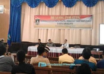 Dialog politik di Sawahlunto. (tumpak)
