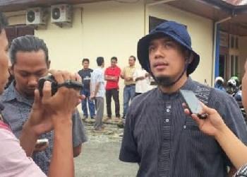 Supervisor Pemeliharaan Wilayah Sumbar PT. Icon Plus, Surya memberikan keterangan kepada wartawan. (y)
