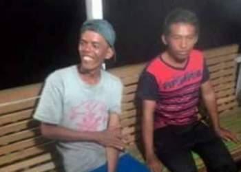 Dua nelayan Padangpariaman yang terdampar di Pantai Tiku setelah terkatung-katung selama dua hari di lautan lepas. (fajar)