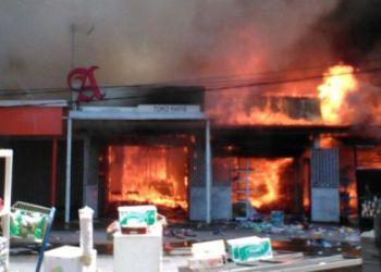 Kebakaran Minimarket Tunggul Hitam