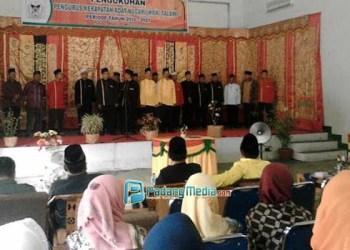 Kepengurusan KAN Talawi  Sawahlunto dikukuhkan oleh Ketua LKAAM Swahlunto Adi Muaris Katib Kayo di Gedung Pertemuan masyarakat (GPM) Talawi, Rabu (9/3). (tumpak)