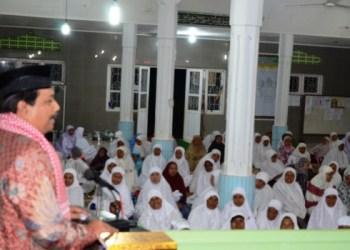 Wakil Ketua DPRD Sumbar Arkadius Safari Ramadhan ke Nagari Minangkabau, Kamis (17/6). (febry@padangmedia)