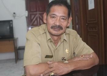 Kepala Dinas Kependudukan dan Pencatatan Sipil Mentawai, Tarsisius Sakeru. (ers)