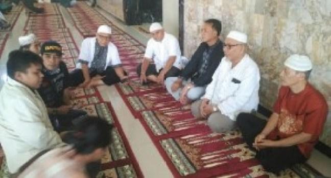 Persatuan umat Islam Tionghoa Indonesia yang ada di Padang. (baim)
