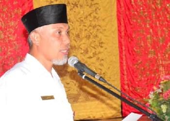Walikota Padang, Mahyeldi Ansharullah. (der)