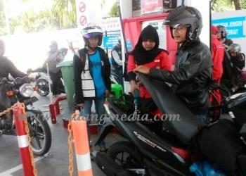 SPBU Siaga 24 Jam di Sumbar Saat Mudik Lebaran. (Febry@padangmedia.com)
