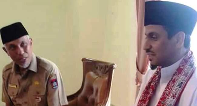 Walikota Padang Mahyeldi menerima kedatangan Syekh Chalid Al-Hamudi, Senin (1/8). (derius)