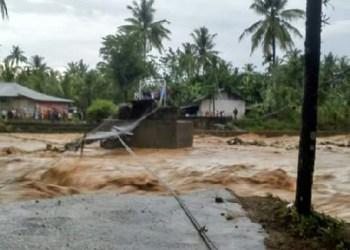 Banjir bandang di Batuang Taba, Sabtu (11/3). (der)