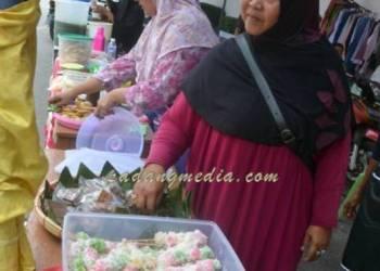 Kuliner tempo doeloe hadir di Festival Tangsi Baru. (tumpak)