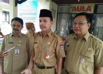 Sekda Kota Padang, Asnel. (der)