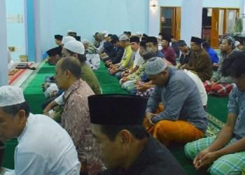 Kegiatan subuh mubaroqah di Kota Padangpanjang. (foto: humas)