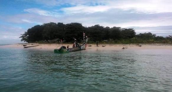 Pulau Saoh, masuk dalam wilayah administratif Koto Tangah Kota Padang menunggu investasi.(febry)
