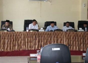 Rapat paripurna DPRD Kab.Agam membahas KUA PPAS tahun 2018. (fajar)