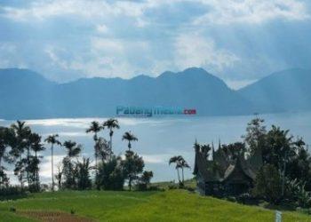 Danau Maninjau. (Foto: humas Pemkab Agam)