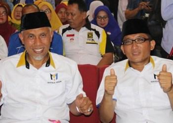 Pasangan walikota-wakil walikota Padang, Mahyeldi - Hendri Septa. (der)