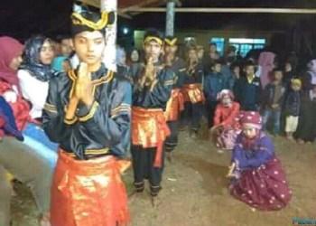 Salah satu latihan yang diadakan di Sanggar Limpapeh Rumah Nan Gadang Jorong Kawai, Batubulek, Kec.Lintau Buo Utara, Kab.Tanah Datar, Sumatera Barat. (ist)