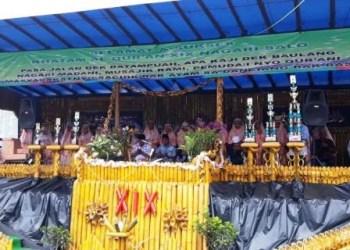 Sebanyak 33 orang santri melafaskan doa jelang pelaksanaan khatam Quran XIX Nagari Salo, Kecamatan Baso, Agam, Senin (18/6/2018). (istimewa)