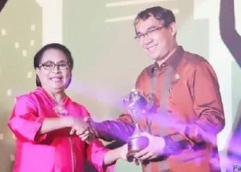 Penghargaan Kota Layak Anak bagi Pemko Padangpanjang. (de)