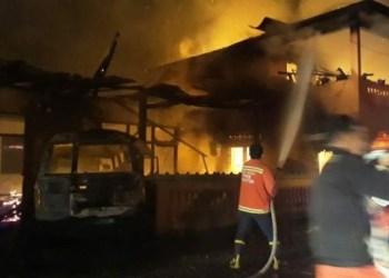 Kebakaran di gedung madrasah