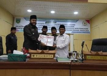 Pembahasan empat Ranperda di DPRD Padangpanjang. (foto: de)