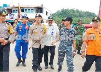 Kapolres Mentawai memimpin cek kelayakakan kendaraan menghadapi lebaran. (ers)