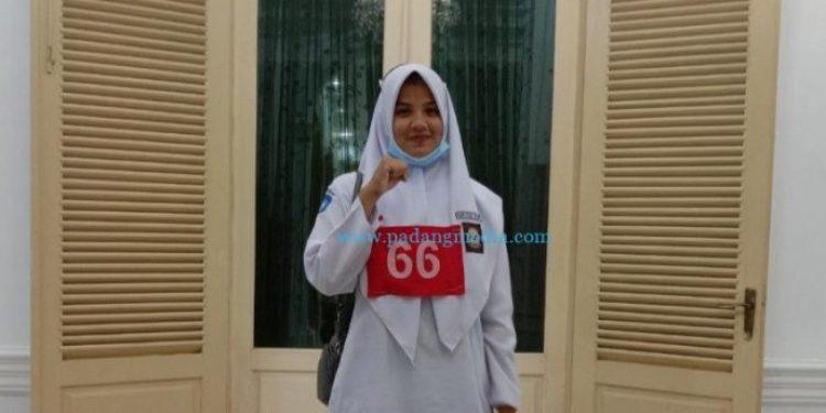 Flora Flecia Tanjung, siswi SMAN 1 Koto XI Tarusan yang lolos menjadi anggota Paskibraka nasional tahun 2021. (ist)