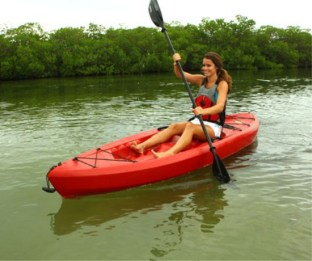 Stability and maneuverability is important for beginner kayakers