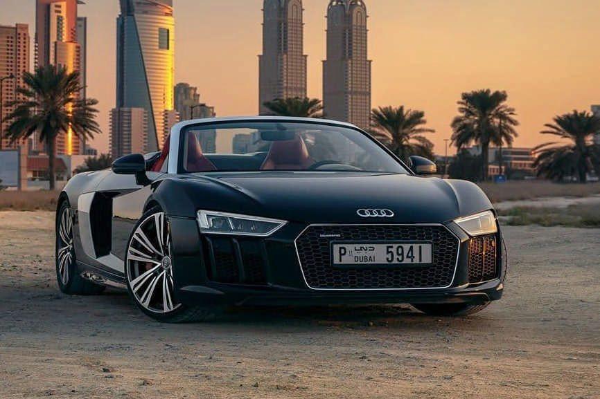 Rent Audi R8 V10 Black in Dubai
