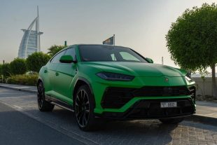 Rent Lamborghini URUS Green in Dubai