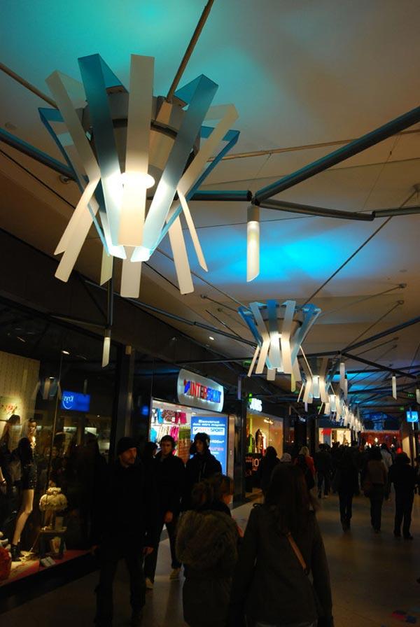 scénographie, mise en espace, visual merchandising, présentation, décor, décoration, visitation, centre commercial, feu d'artifice, confettis