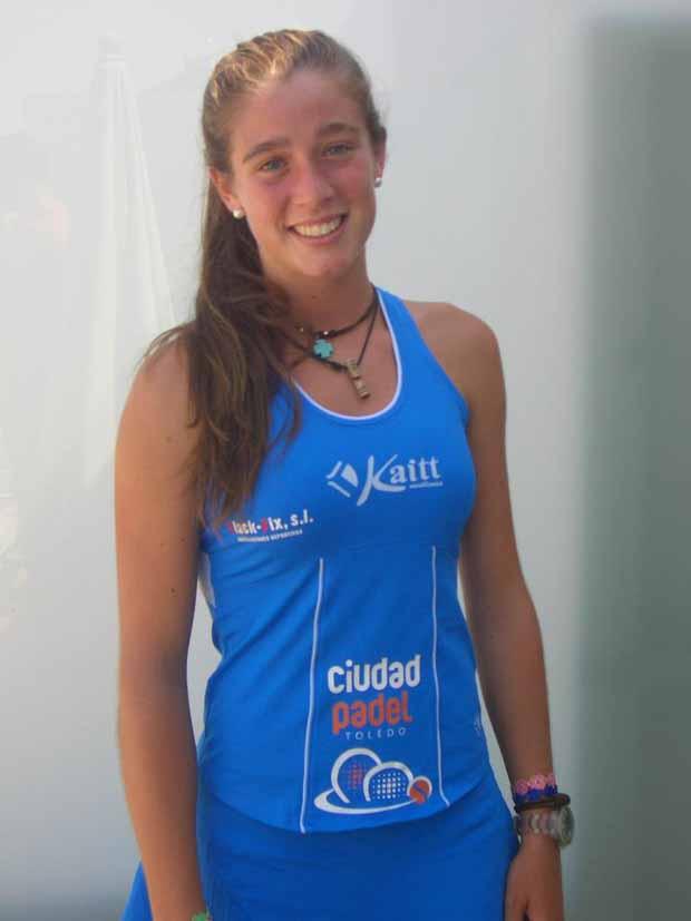 marta ortega Marta Ortega firma con Ciudad Padel Toledo